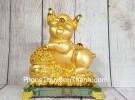 Vua heo vàng ôm hũ vàng trên đế thủy tinh LN034