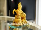 Vua ngựa kim sa vàng đế thủy tinh LN133