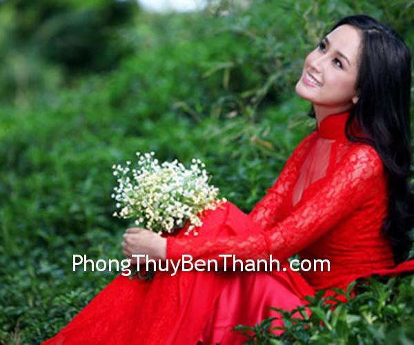 ao dai cho ngay cuoi Mặc áo cưới màu đỏ để tăng cường năng lượng dương