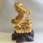 ngua vang a001 1 150x150 Ngựa vàng nguyên bảo A001