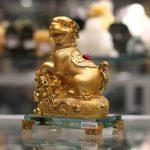 c033a cho gio tien 2 150x150 Chó vàng nhỏ trên bao tải tiền C033A