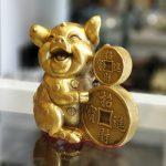 D298 heo om tien 150x150 Vua heo ôm tiền vàng chiêu tài D298