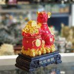 tm007 chuot do tui do 1 150x150 Chuột đỏ ôm túi tiền trên đống vàng TM007