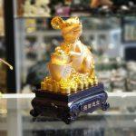tm010 chuot vang nen vang 2 150x150 Chuột vàng ôm nén vàng đế gỗ TM010